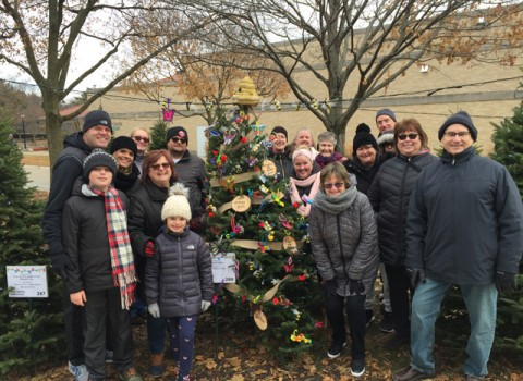 2019-BROOKFIELD-TREE